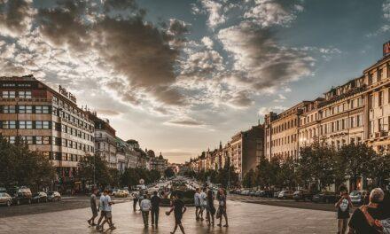 Sådan kan du rejse til Prag som studerende