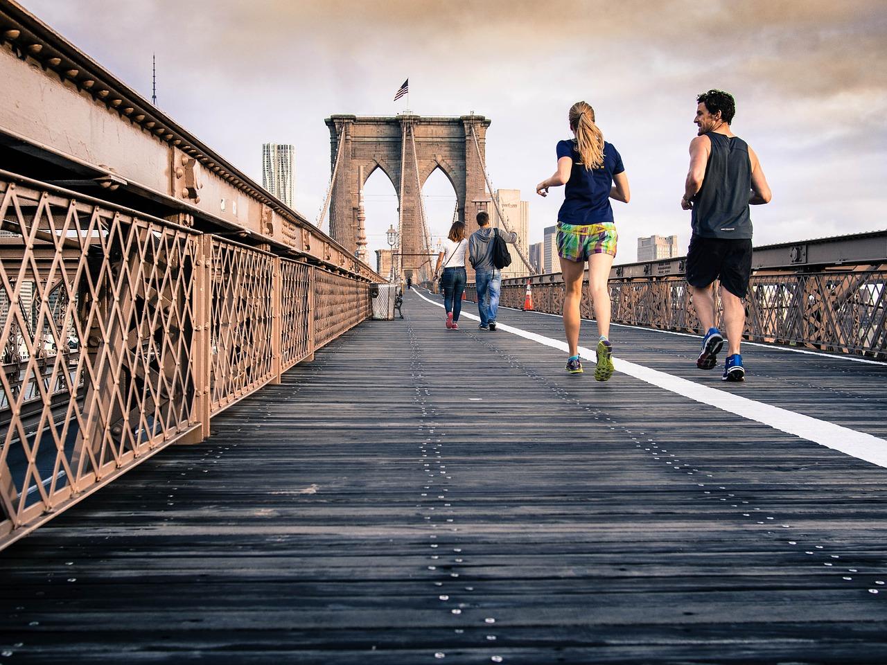 To mennesker der løber i New York