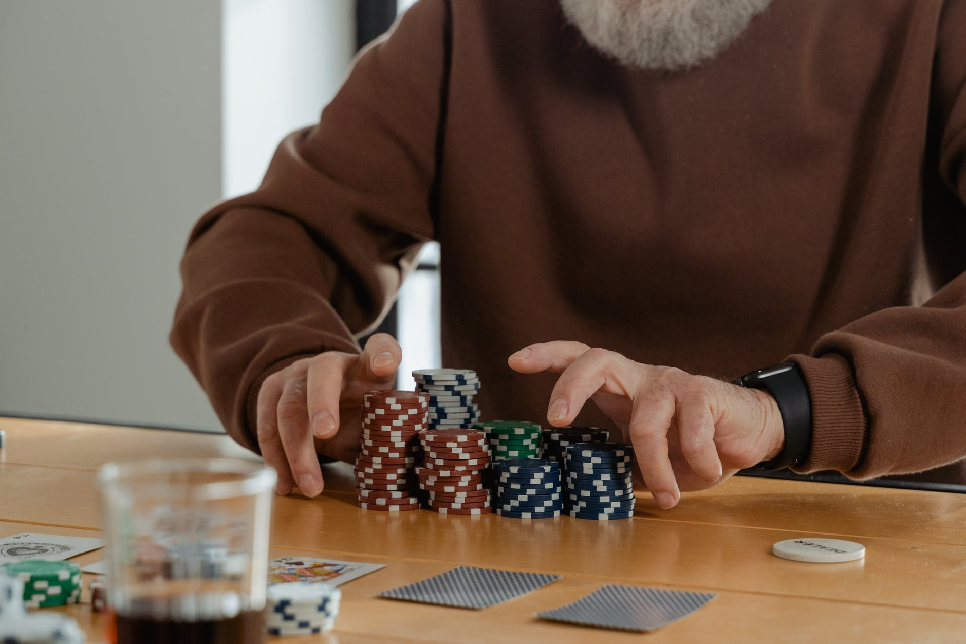 Pokerspil med jetoner